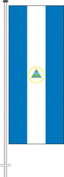 Nicaragua als Hochformatfahne