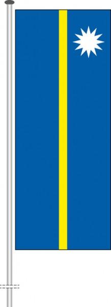 Nauru als Hochformatfahne