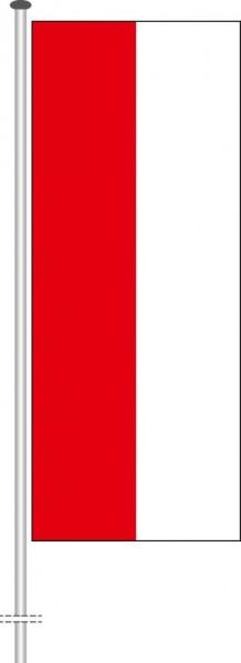 Streifenfahne als Hochformatfahne